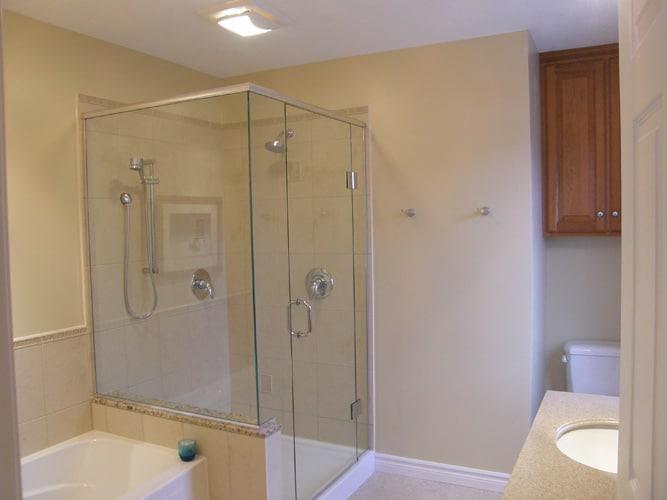 Glass door shower reno