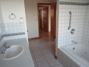 Tiled bathroom and ceramic
