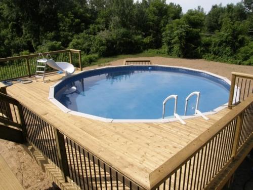 Pool deck surround