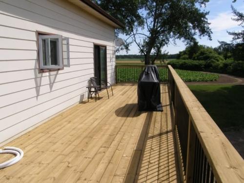 Upper deck and side door
